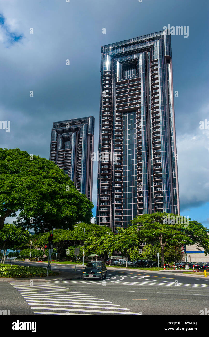 High rise building in downtown Honolulu, Oahu, Hawaii, United States of America, Pacific - Stock Image