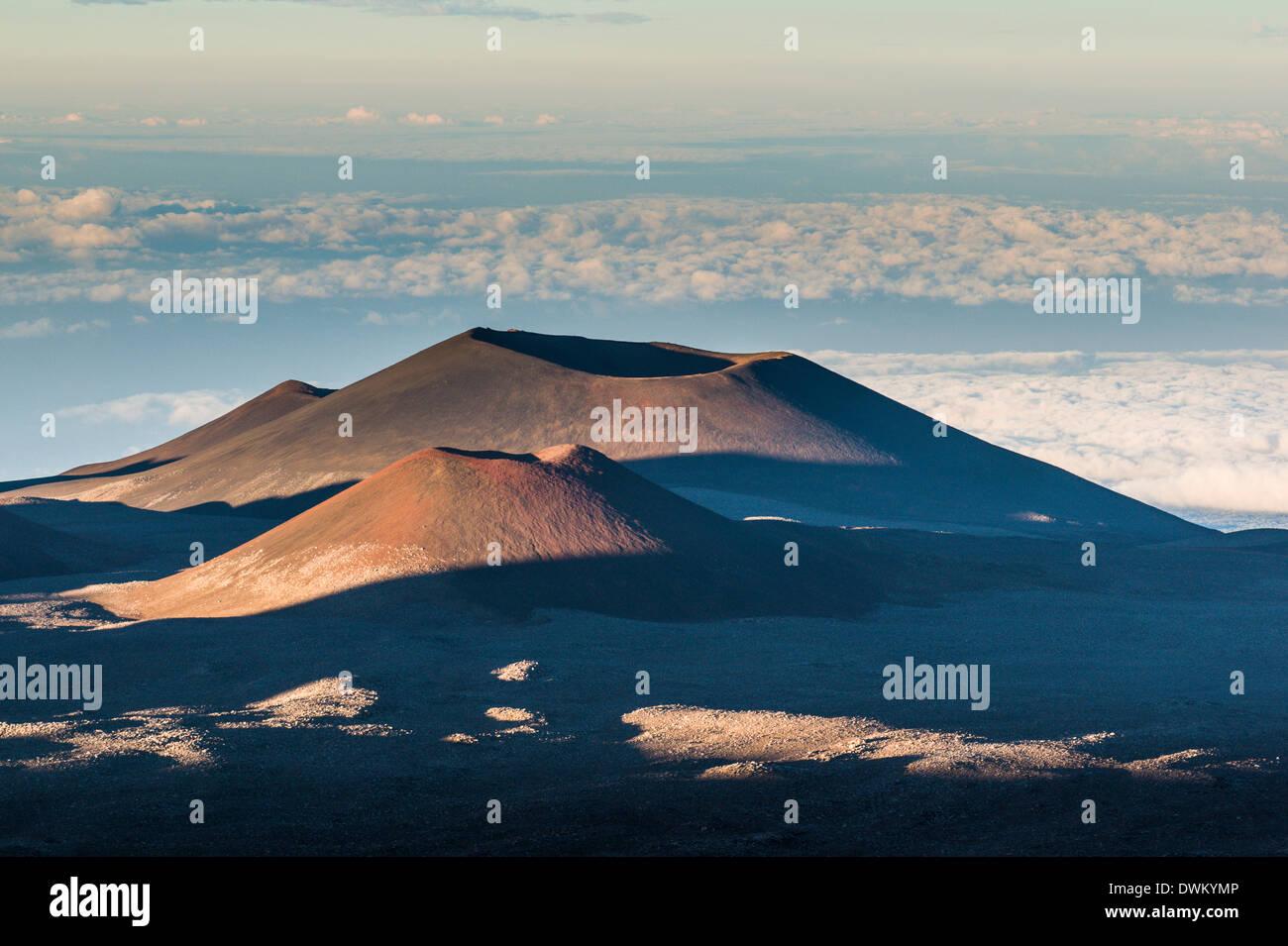 Volcanic cones on top of Mauna Kea, Big Island, Hawaii, United States of America, Pacific - Stock Image