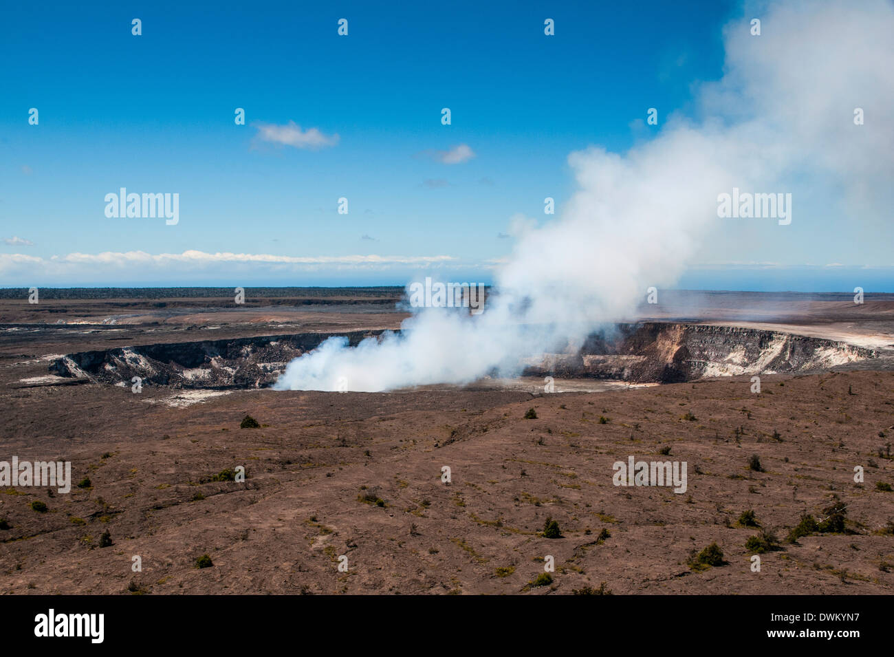 Smoking Kilauea Summit Lava Lake in the Hawaii Volcanoes National Park, UNESCO World Heritage Site, Big Island, Hawaii, Pacific - Stock Image