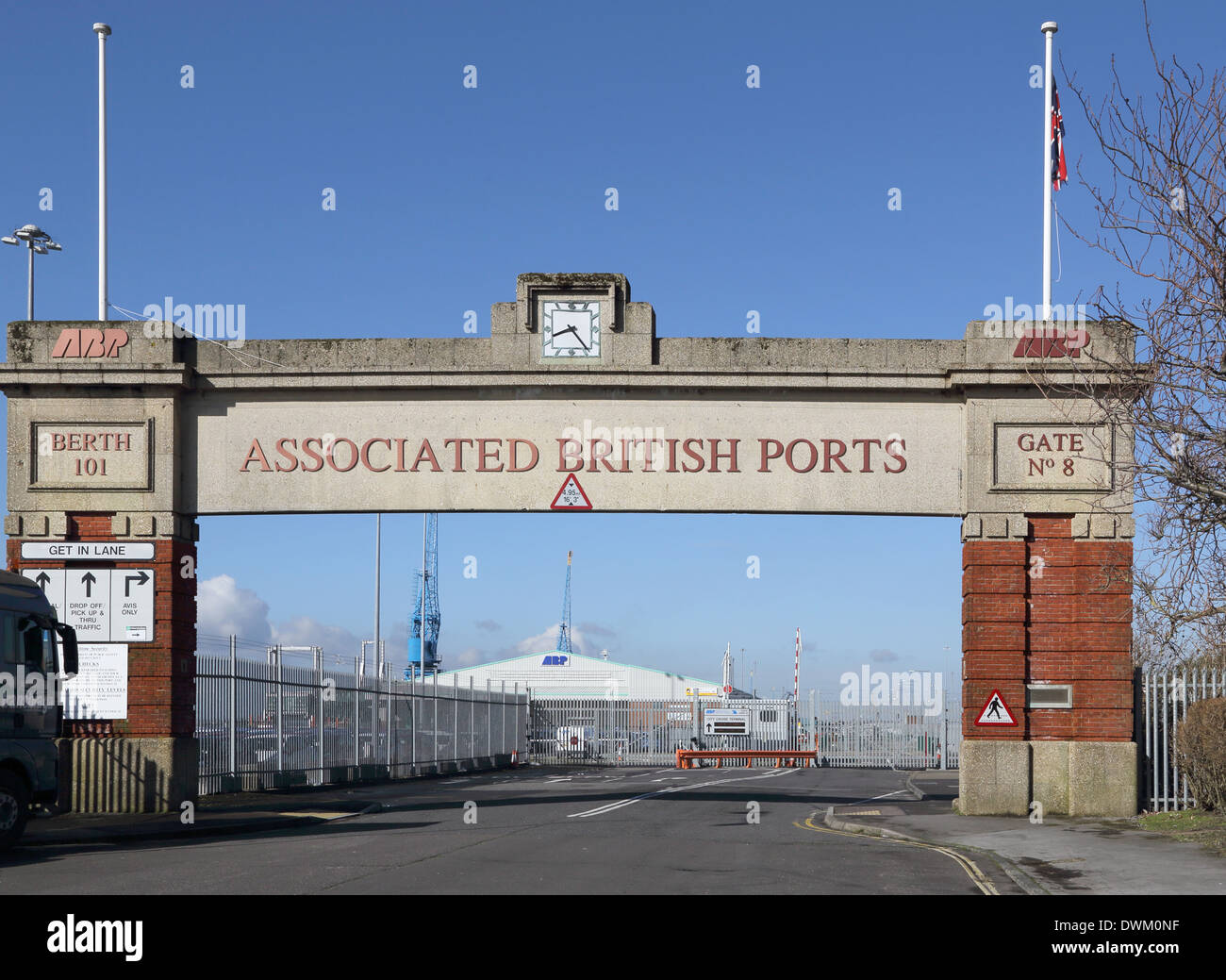 the city and port of southampton on the south coast of England. The old ABP port entrance - Stock Image