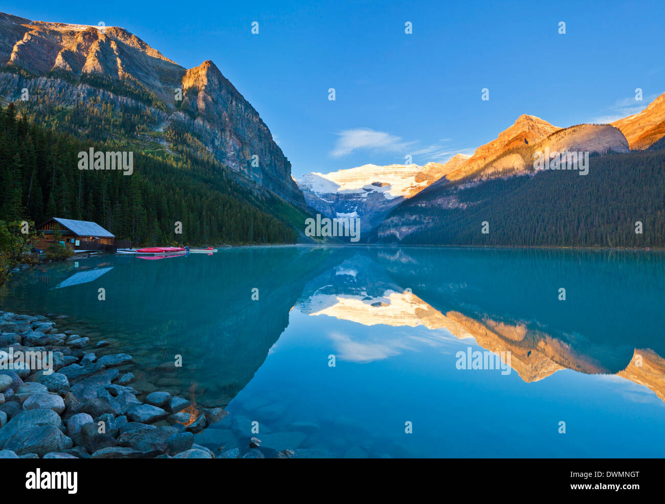 Early morning sunrise, Lake Louise, Banff National Park, UNESCO World Heritage Site, Alberta, Canadian Rockies, Canada - Stock Image