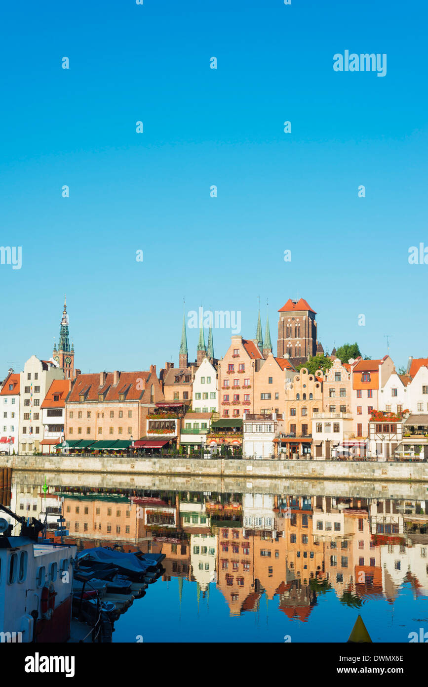 Canal side houses and skyline, Gdansk, Poland, Europe - Stock Image
