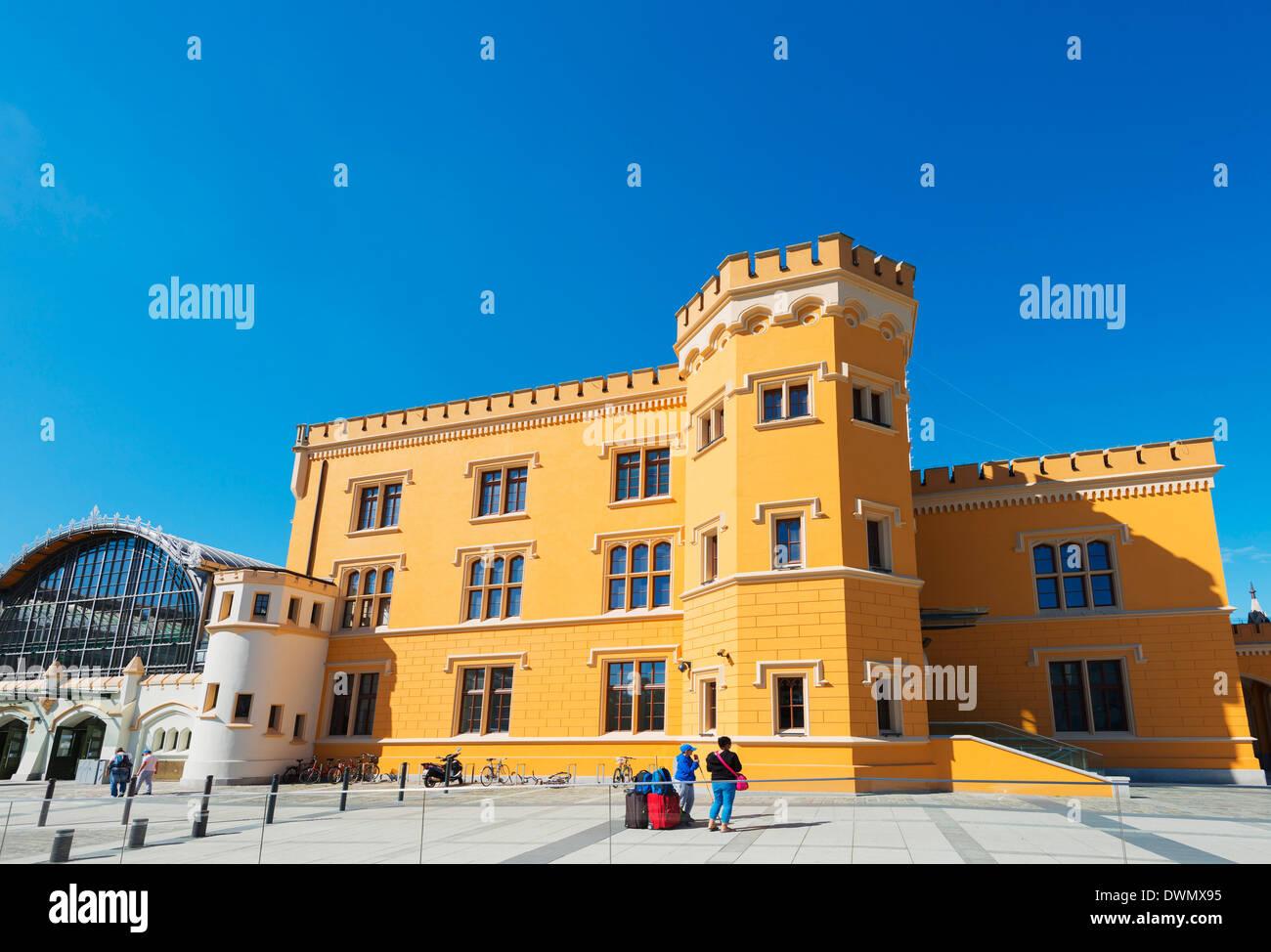 Railway station building, Wroclaw, Silesia, Poland, Europe - Stock Image