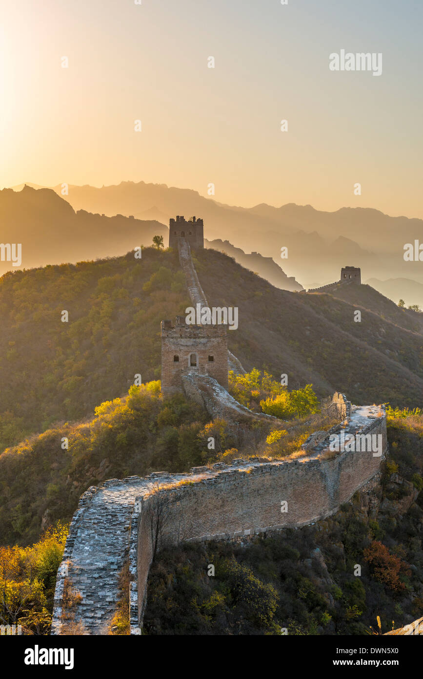 Great Wall of China, UNESCO Site, looking towards Simatai, Jinshanling, Luanping County, Hebei Province, China - Stock Image