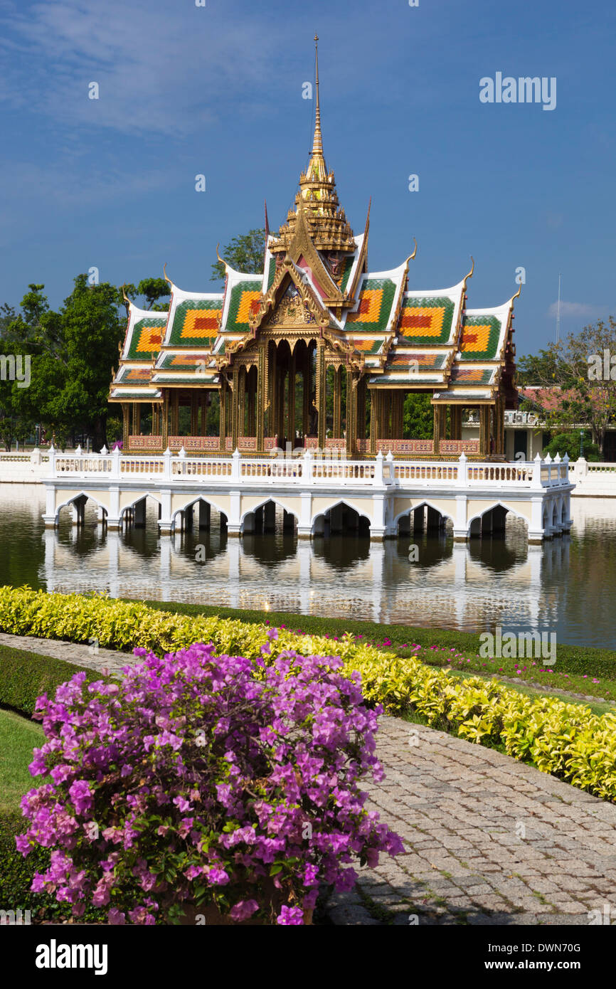 Aisawan-Dhipaya-Asana Pavilion (The Divine Seat of Personal Freedom), Bang Pa-In, Central Thailand, Thailand, Southeast Asia - Stock Image
