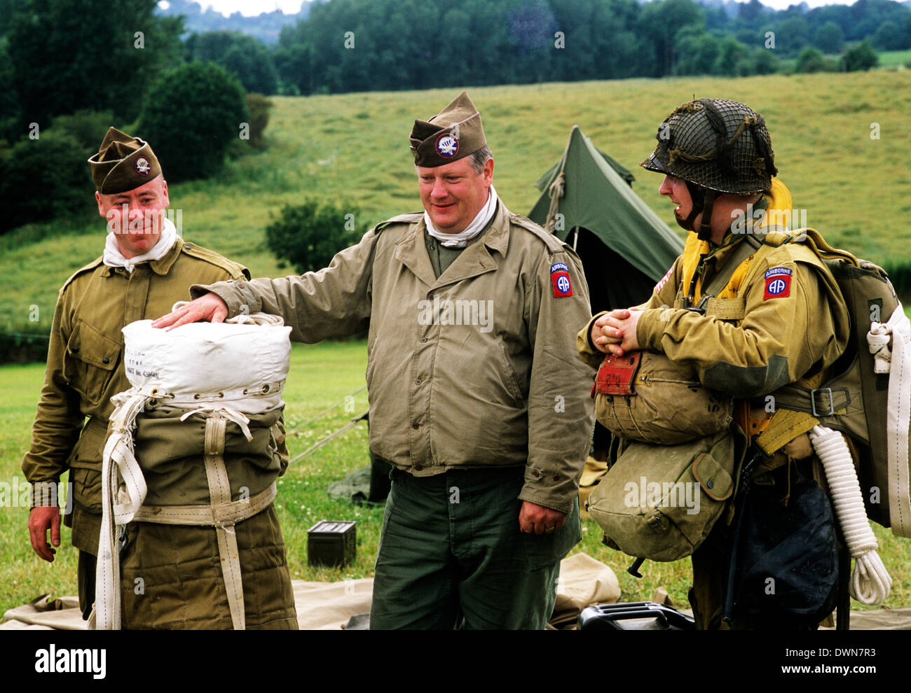 United States Airborne Division, WW2, World War 2, historical re-enactment airmen parachute division in England second world war 1943 UK uniforms military American - Stock Image