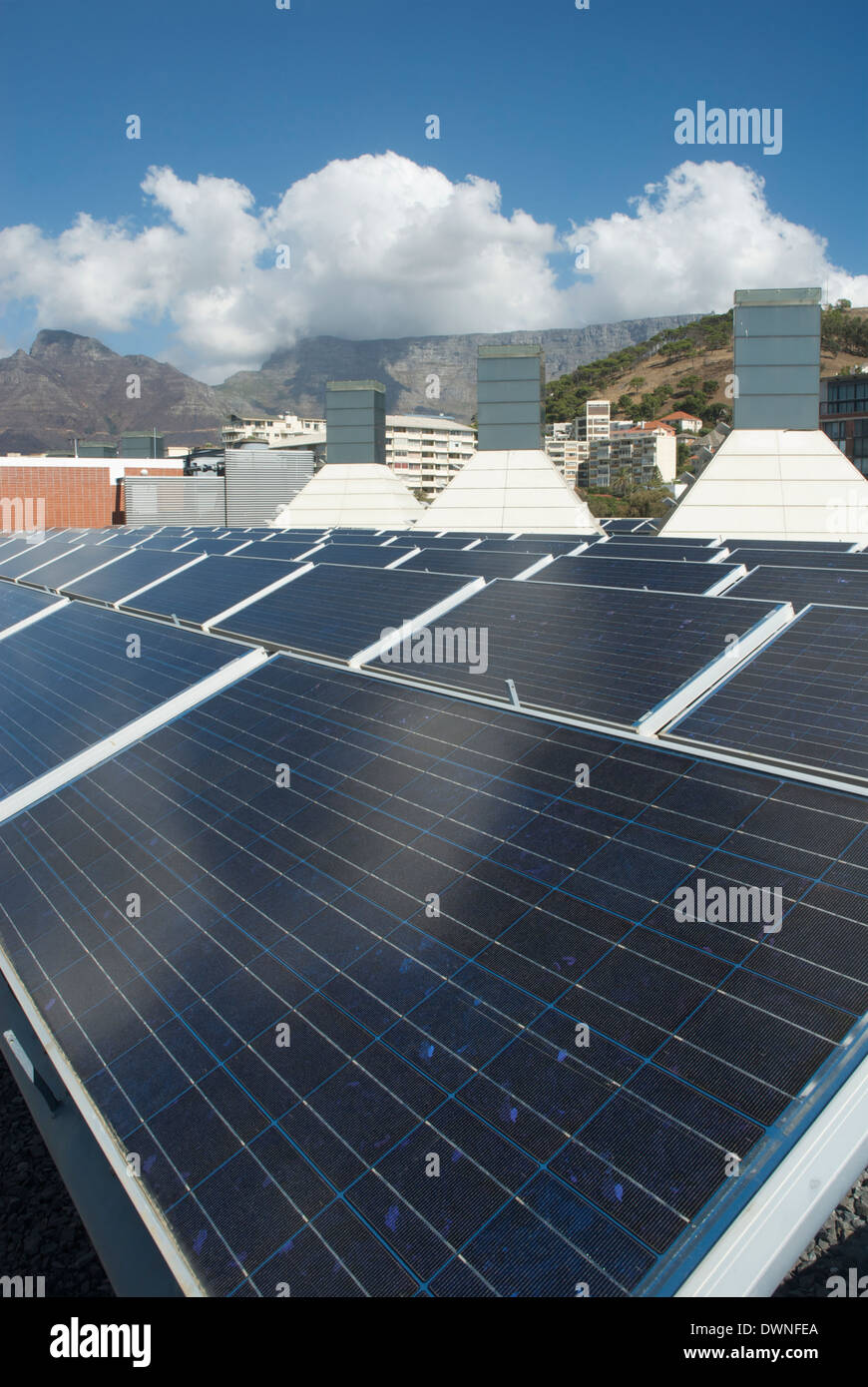 Solar panels on the roof of the BP Building, Cape Town, South Africa, March 2009 - Stock Image