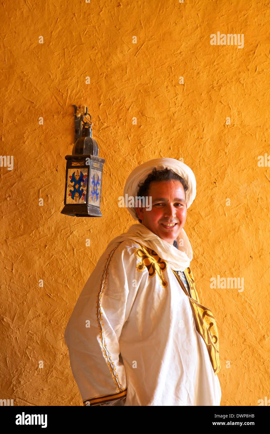 Berber Man In Berber Costume, Merzouga, Morocco, North Africa - Stock Image