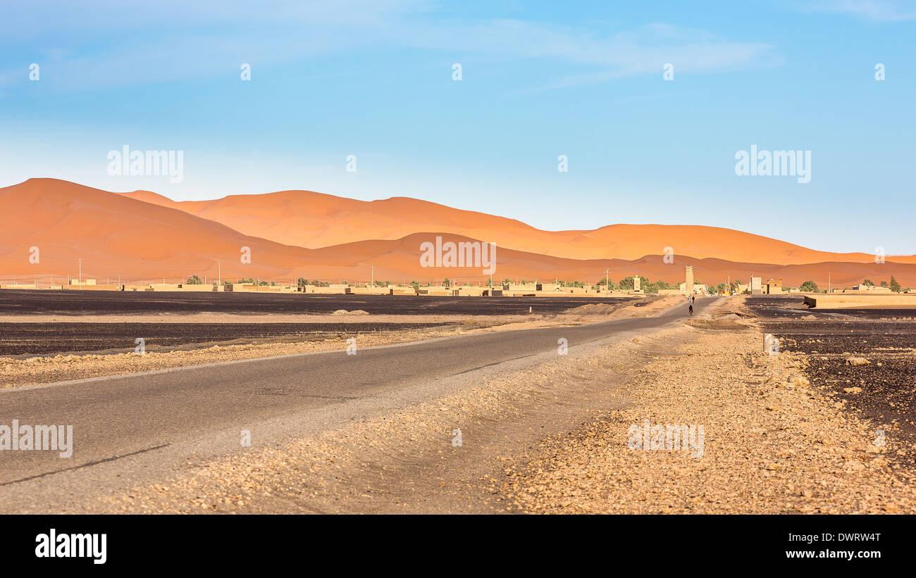 Erg Chebbi desert and its dunes, Merzouga, Morocco, Africa - Stock Image