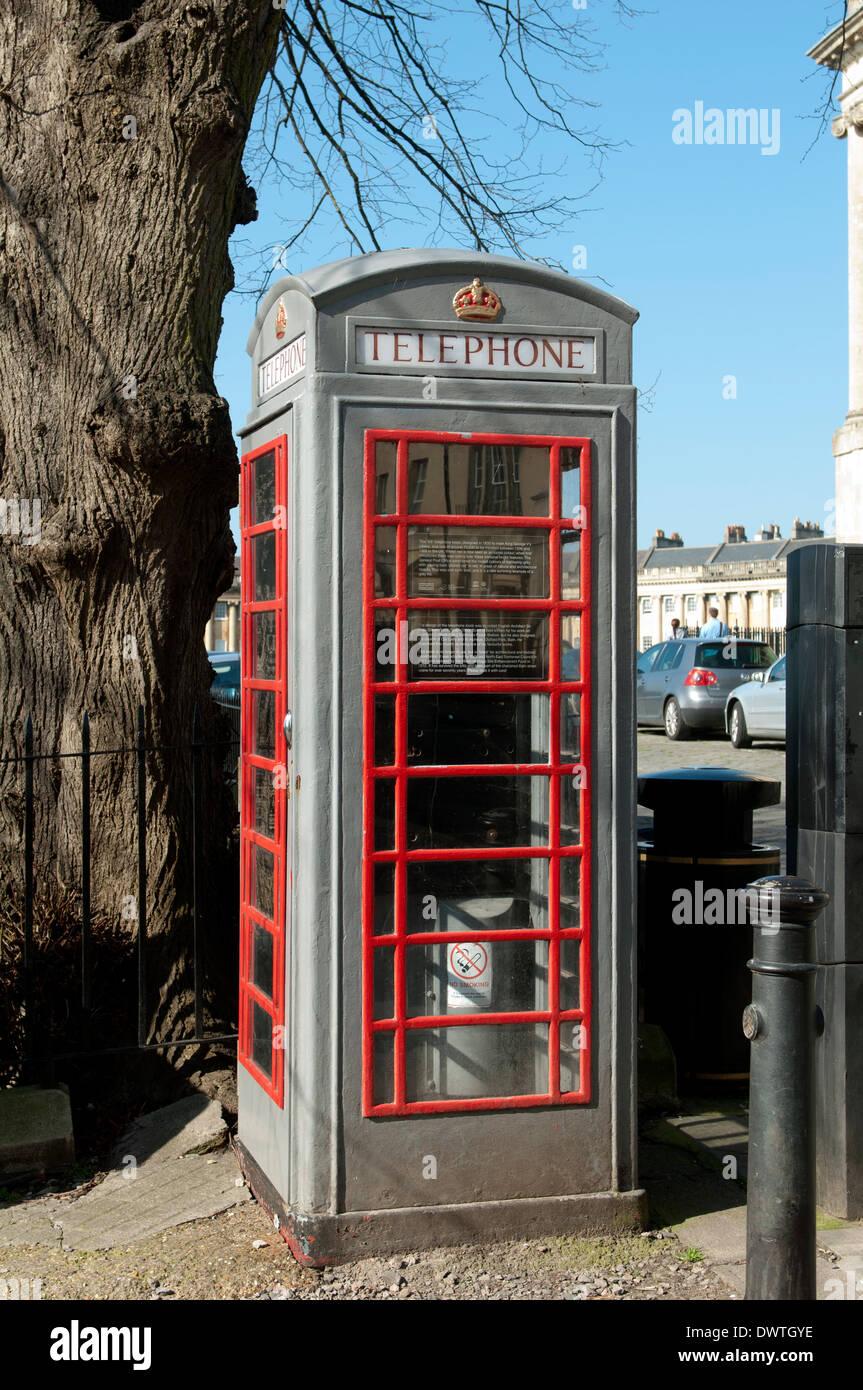 K6 telephone box near to the Royal Crescent, Bath, Somerset, England, UK - Stock Image