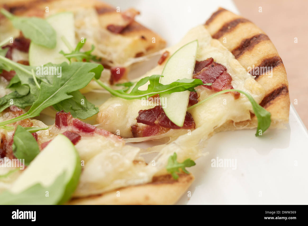 Vermont Cheddar Bacon apple Flatbread - Stock Image