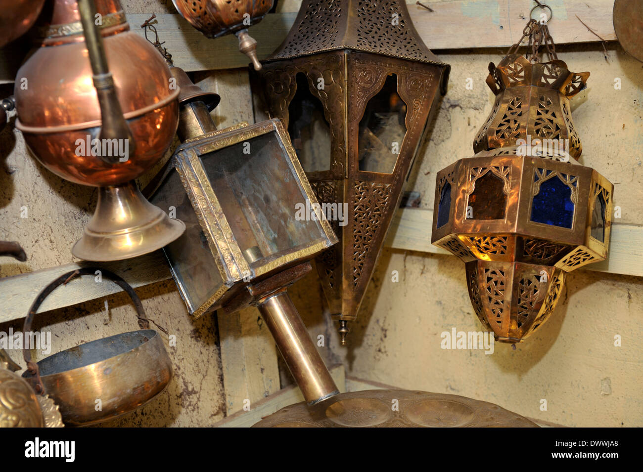 Metal work, teapots, lamps, pots in souk Marrakech, Morocco, North Africa - Stock Image