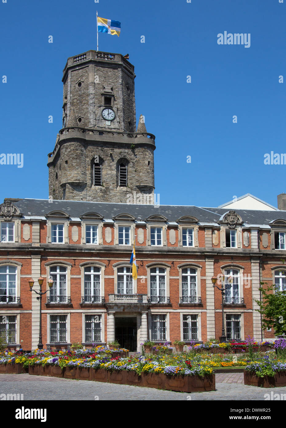 The Palace de la Resistance and the Belfry in the coastal town of Boulogne-sur-Mer in the Nord Pas-de-Calais region of France - Stock Image