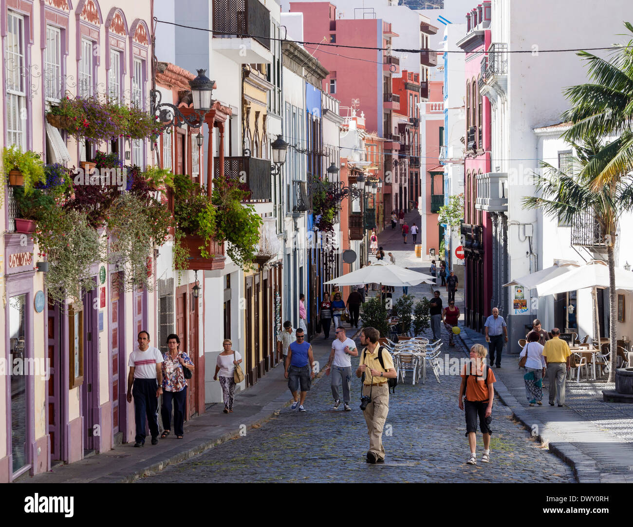 The shopping street Calle Perez de Brito at Santa Cruz, La Palma, Canary Islands, Spain. - Stock Image