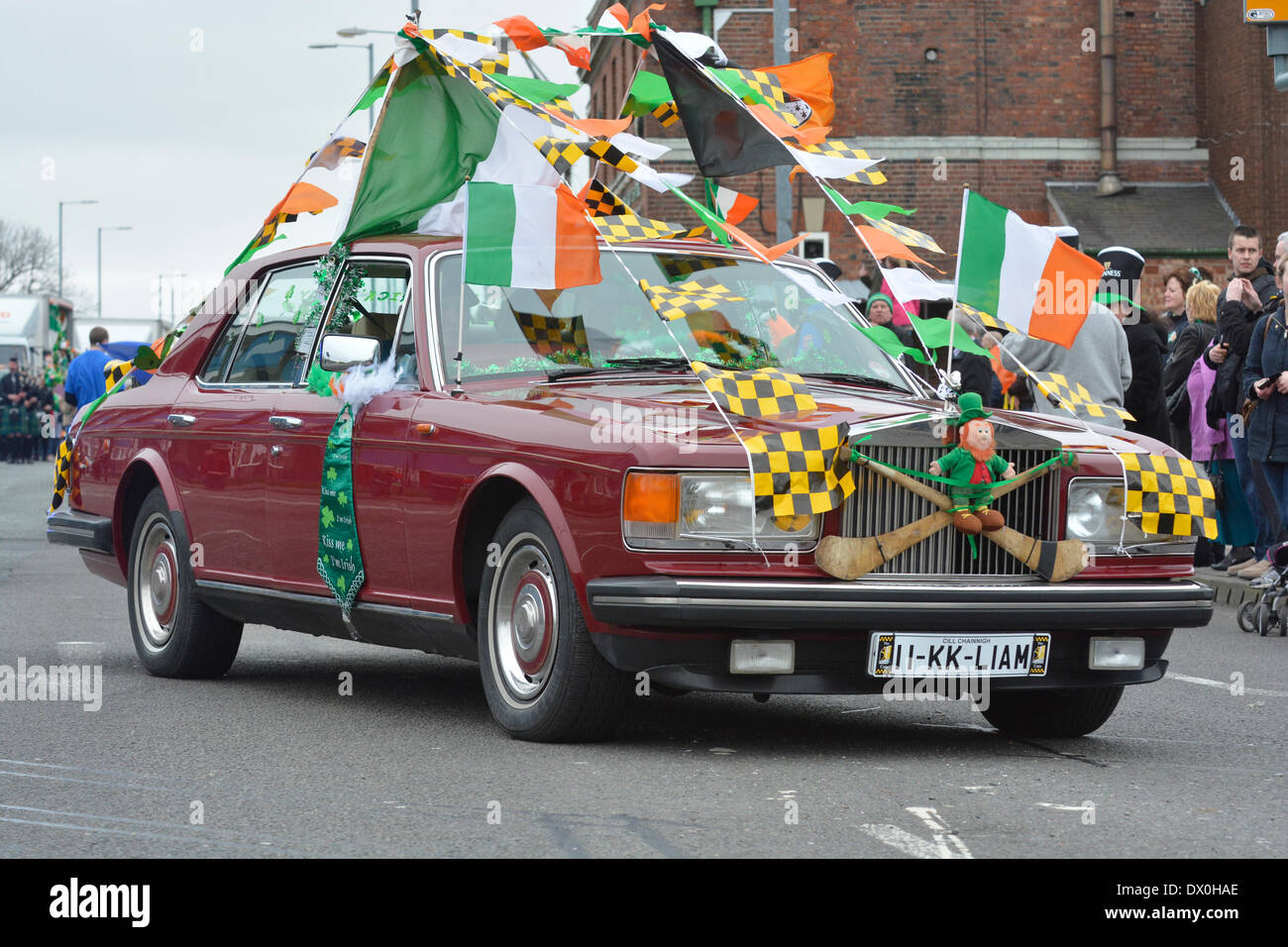Manchester Uk 16th March 2014 A Rolls Royce Car Decorated In Irish