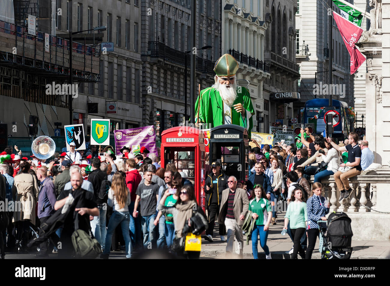 London, UK. 16 March 2014. The annual St Patrick's day parade in London.  Photographer:  Gordon Scammell/Alamy Live News - Stock Image