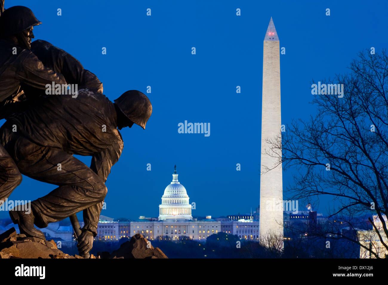 Arlington Marine Corps War Memorial or Iwo Jima Flag Statue; DC skyline with Lincoln Memorial; Washington Monument; US Capitol - Stock Image