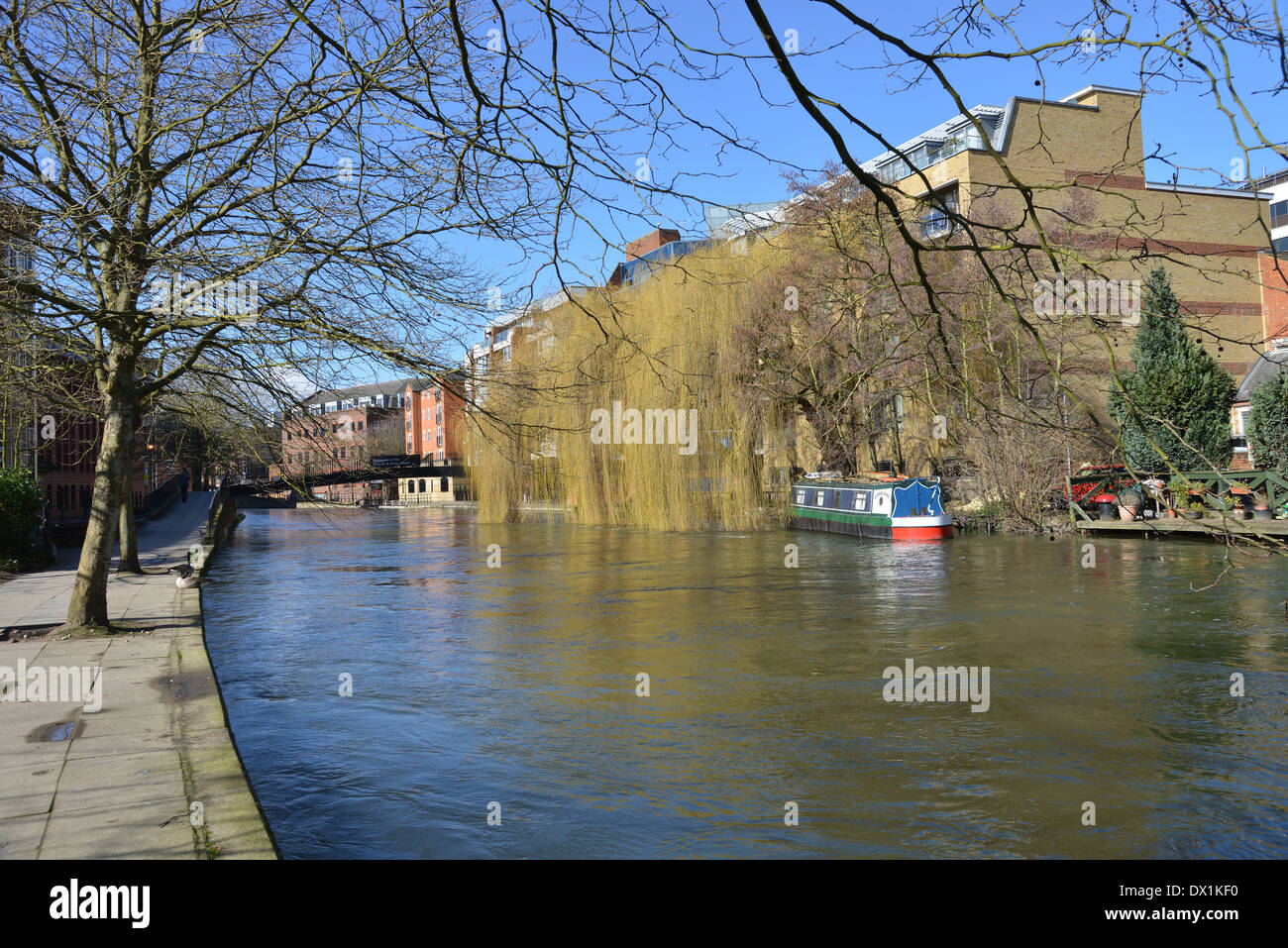 The River Kennet flowing through Reading, Berkshire -1 Stock Photo