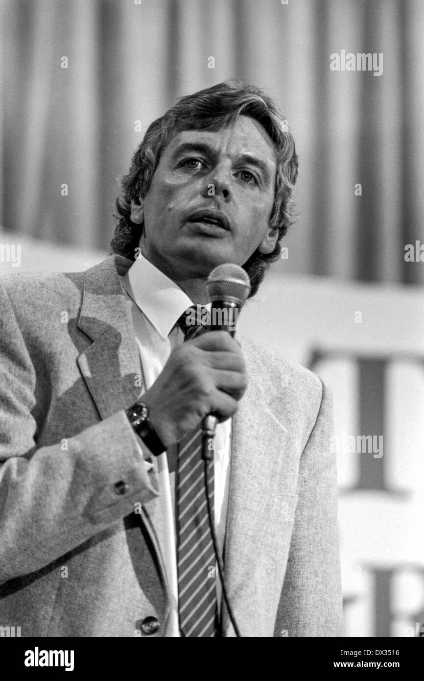 David Icke at a Green Party conference at the Wolverhampton Civic Hall, England in 1989. - Stock Image