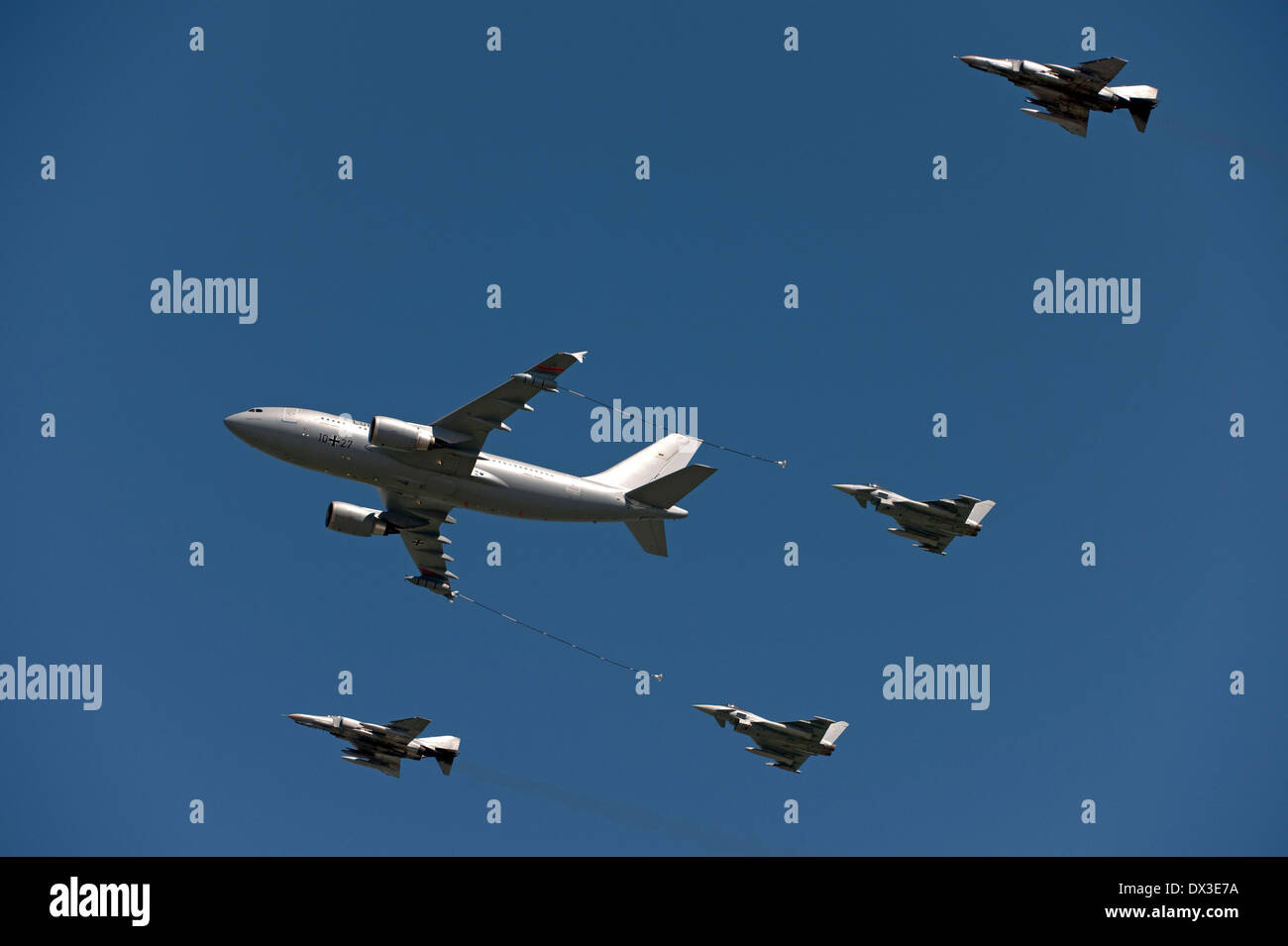 air refueling - Stock Image