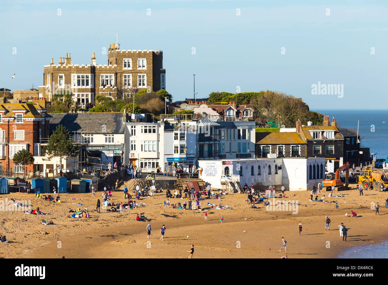 Broadstairs Beach with Bleak House - Stock Image