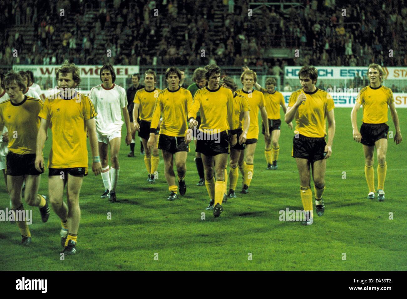 football, 2. Bundesliga Nord, 1974/1975, Westfalen Stadium, Borussia Dortmund versus Rot Weiss Oberhausen 4:0, end of the match, leaving, f.l.t.r. Klaus Ackermann (BVB), Lothar Huber (BVB), Stojan Vukasinovic (RWO), Hans-Gerd Schildt (BVB), Friedhelm Schw - Stock Image