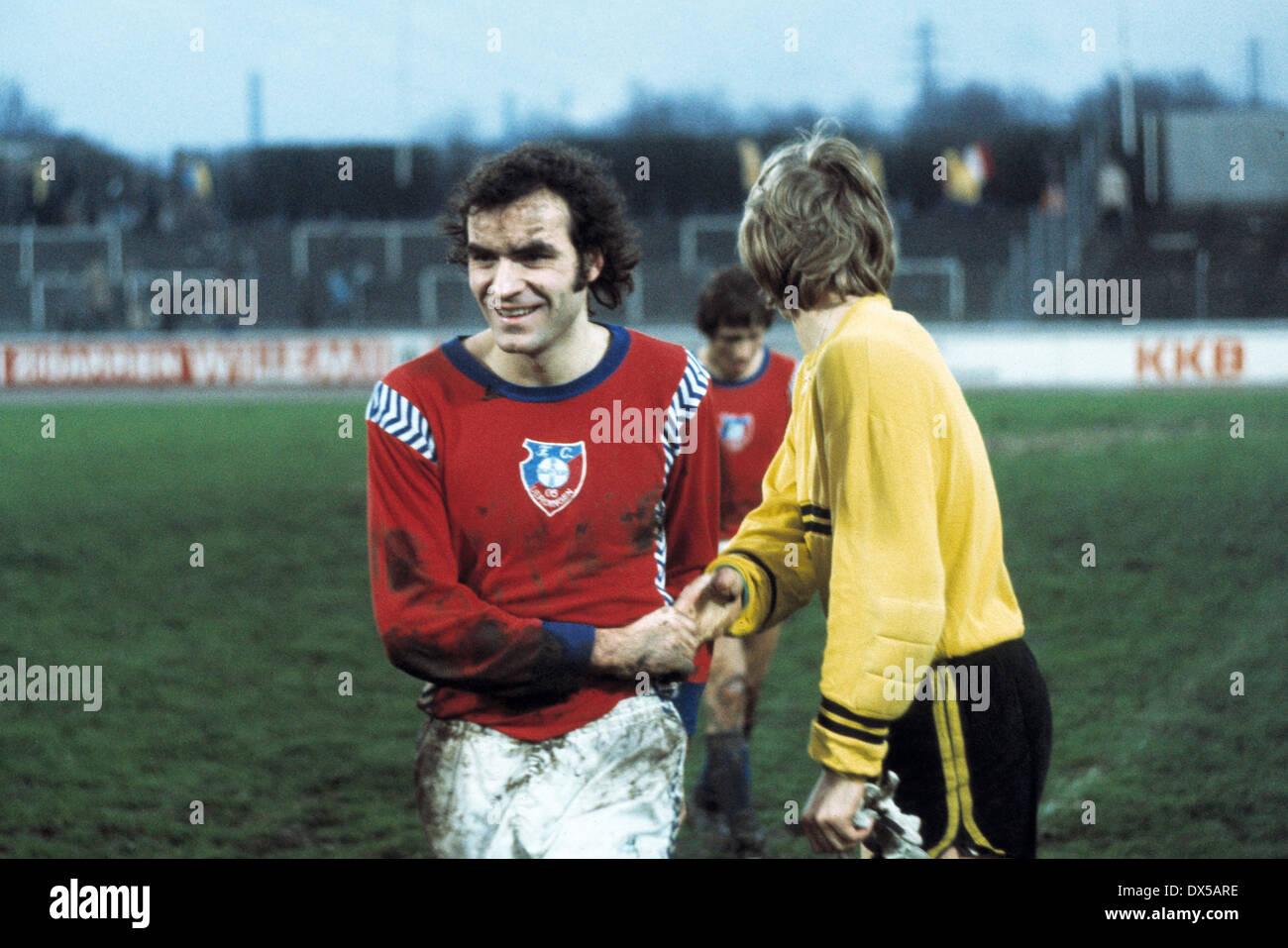 football, 2. Bundesliga Nord, 1974/1975, Niederrheinstadion, Rot Weiss Oberhausen versus FC Bayer 05 Uerdingen 1:3, end of the match, Heinz Mostert (Bayer) rejoicing at the win - Stock Image