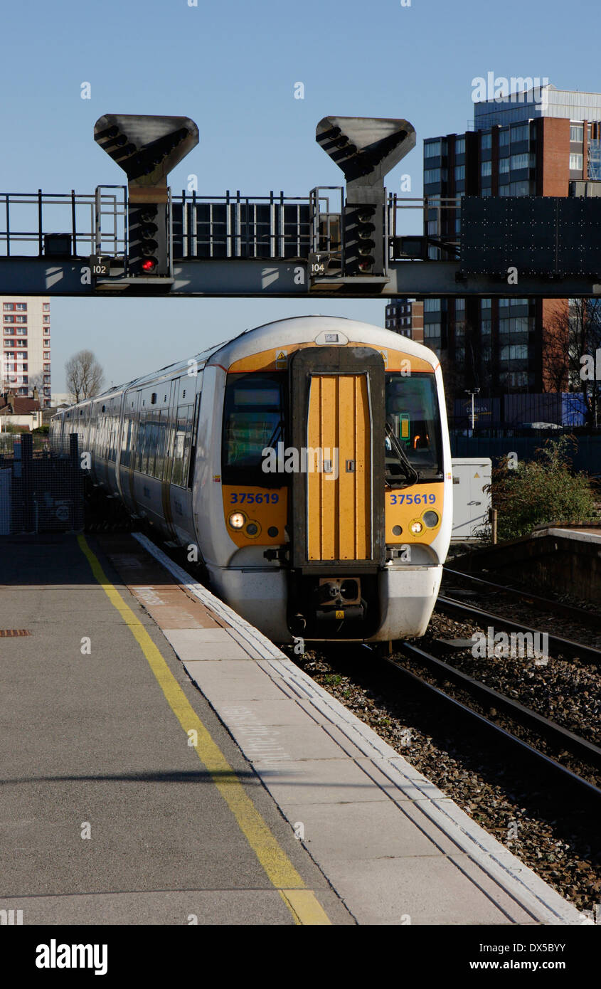 Southeastern Class 375/6 Electrostar electric multiple unit 375619 pulling in to East Croydon station. - Stock Image
