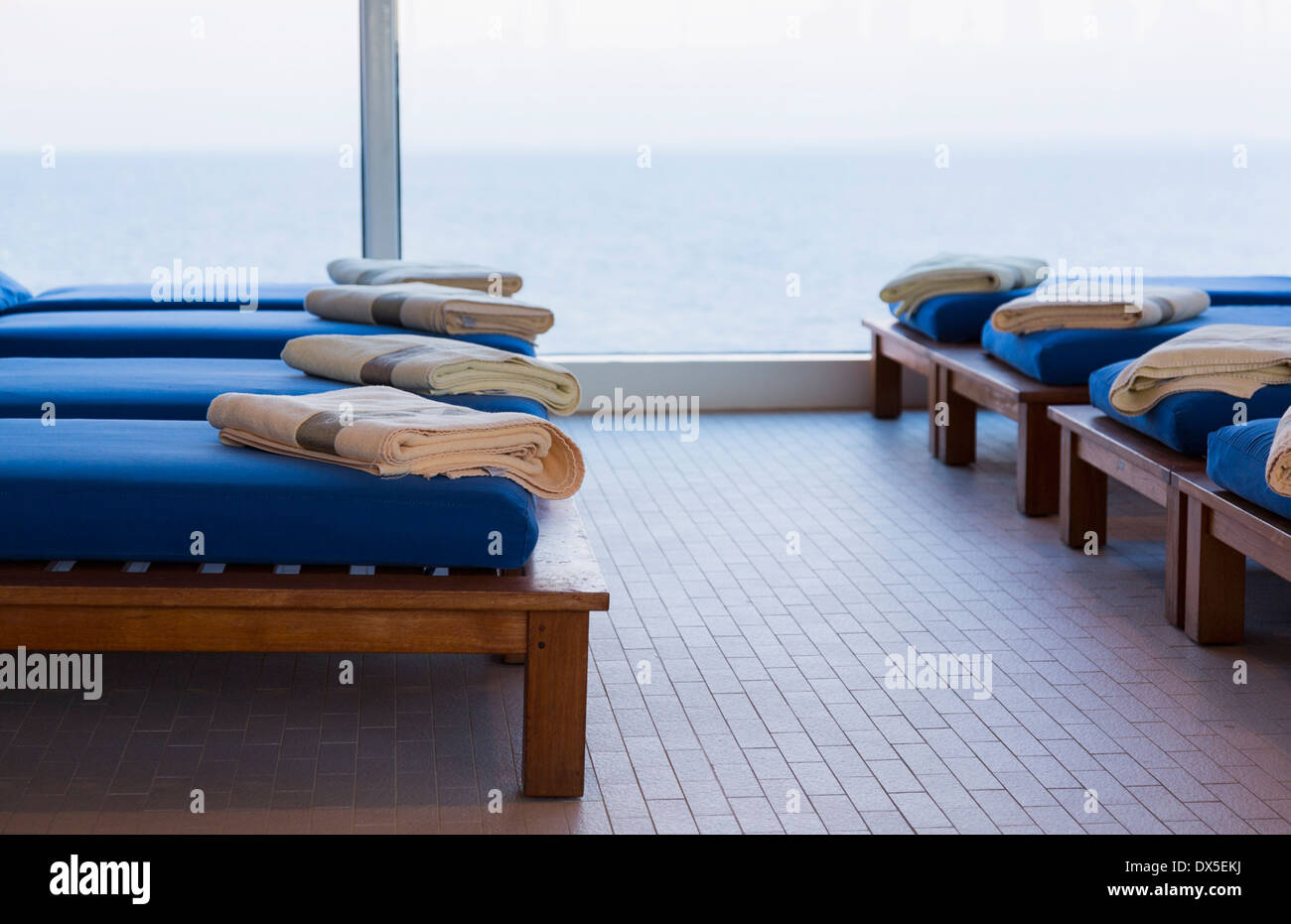 Cruise Ship Window Stock Photos & Cruise Ship Window Stock Images ...