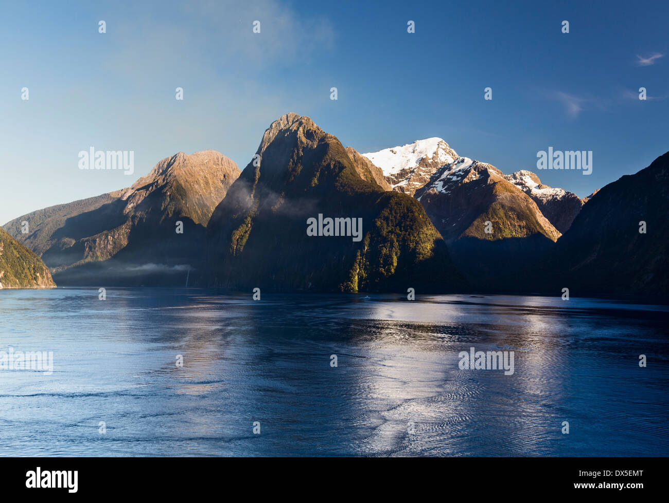 New Zealand - Milford Sound in the Fiordland National Park in the early morning - Stock Image