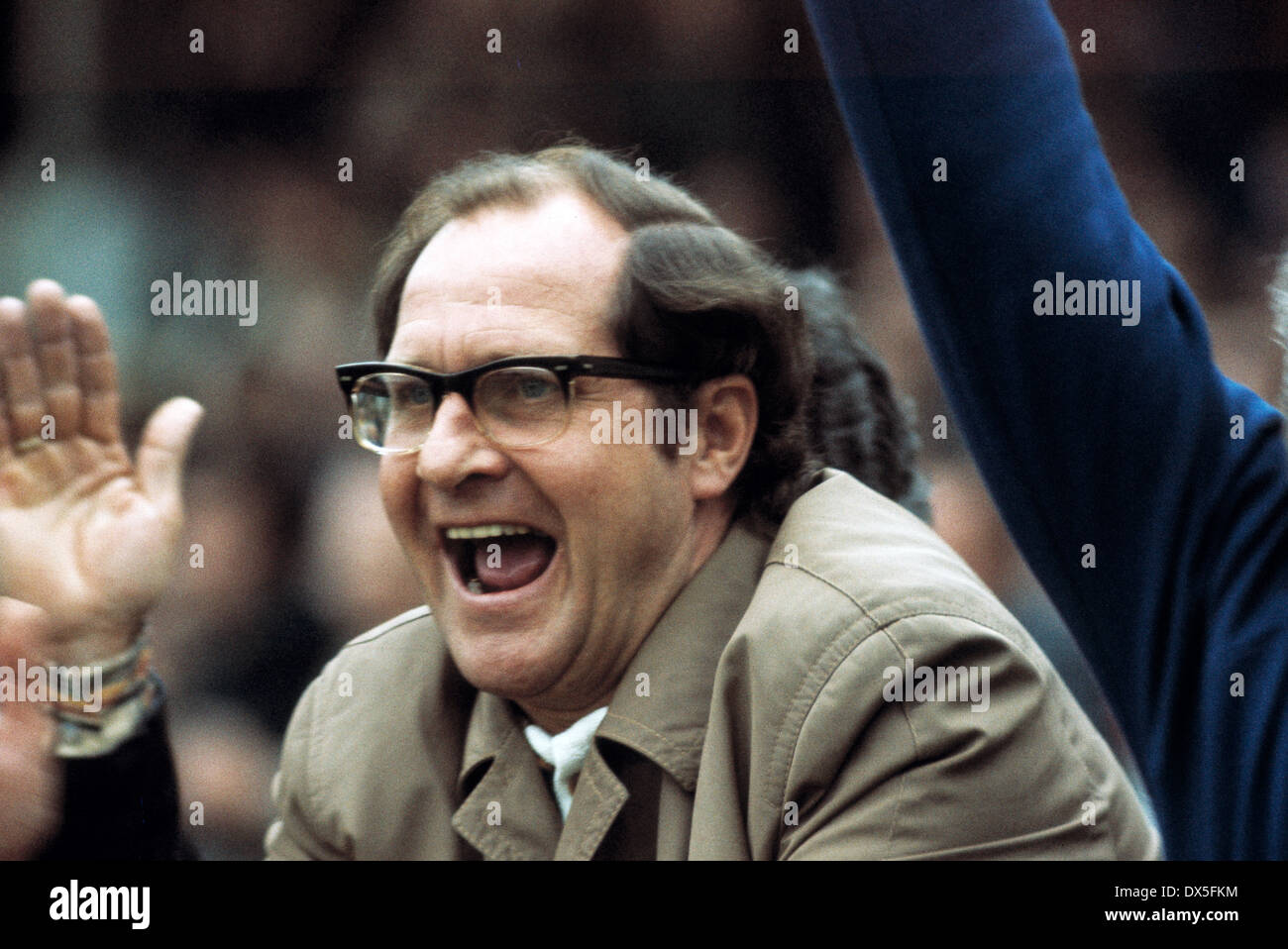 football, 2. Bundesliga Nord, 1974/1975, Stadium am Uhlenkrug, ETB Schwarz Weiss Essen versus FC Bayer 05 Uerdingen 1:2, coaching bench Uerdingen, coach Klaus Quinkert recoicing at a goal - Stock Image