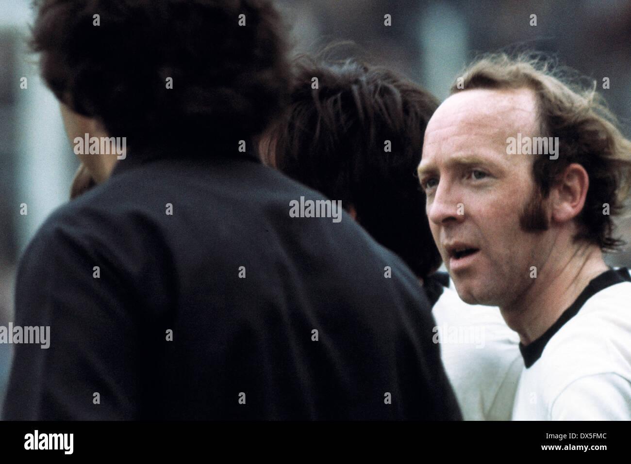 football, 2. Bundesliga Nord, 1974/1975, Stadium am Uhlenkrug, ETB Schwarz Weiss Essen versus FC Bayer 05 Uerdingen 1:2, after the game Horst Gecks (ETB) is frustrated - Stock Image