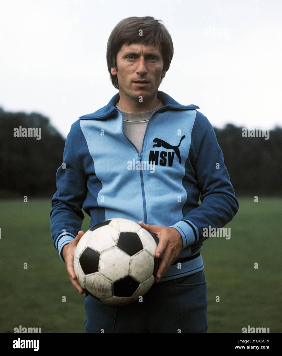 football, Bundesliga, 1975/1976, MSV Duisburg, team presentation, portrait coach Willibert Kremer - Stock Image