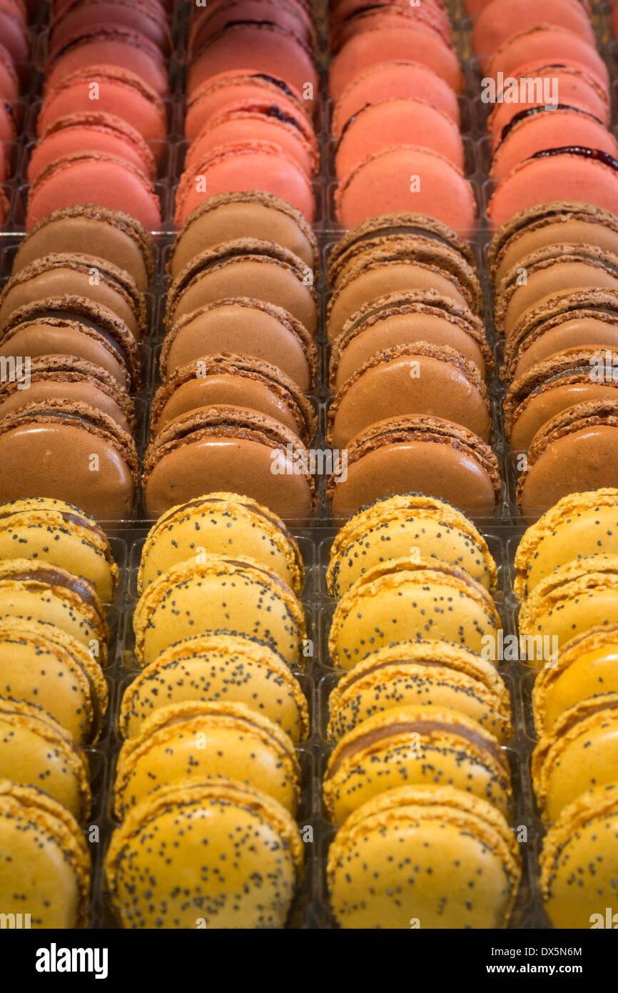 A display of varied macaroons (France).  Présentation de macarons variés (France). - Stock Image