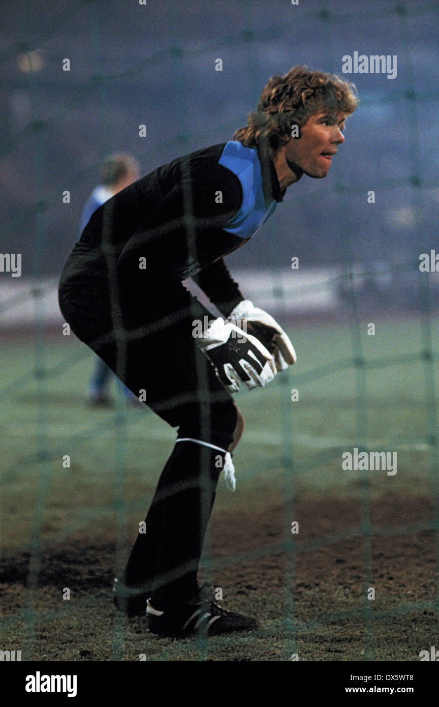 football, DFB Cup, 1977/1978, quarterfinal, Wedau Stadium, MSV Duisburg versus Hertha BSC Berlin 1:0, scene of the match, keeper Norbert Nigbur (Hertha) - Stock Image