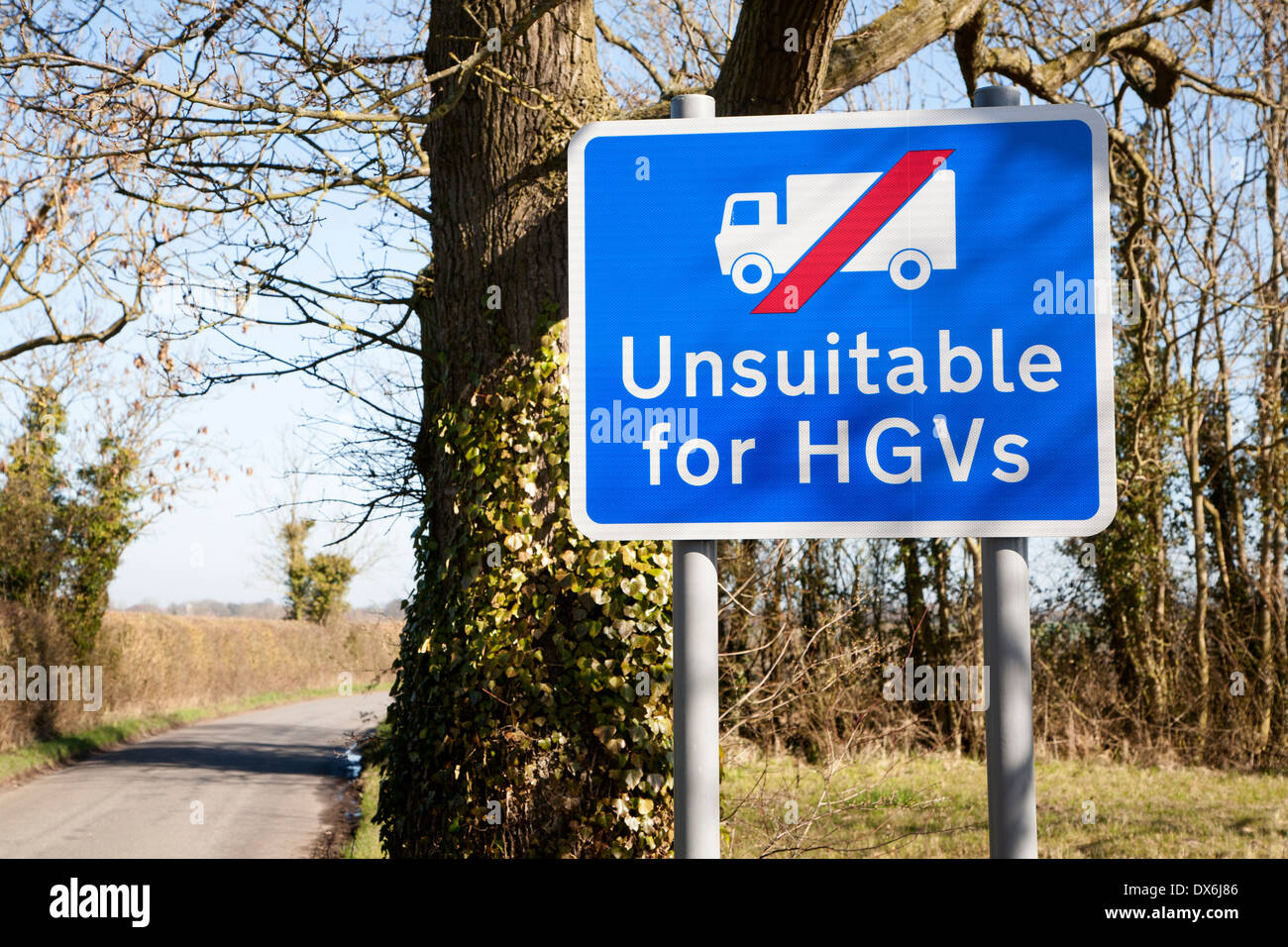 Sign showing road unsuitable for Heavy Goods Vehicles at Hoo, Suffolk, England - Stock Image