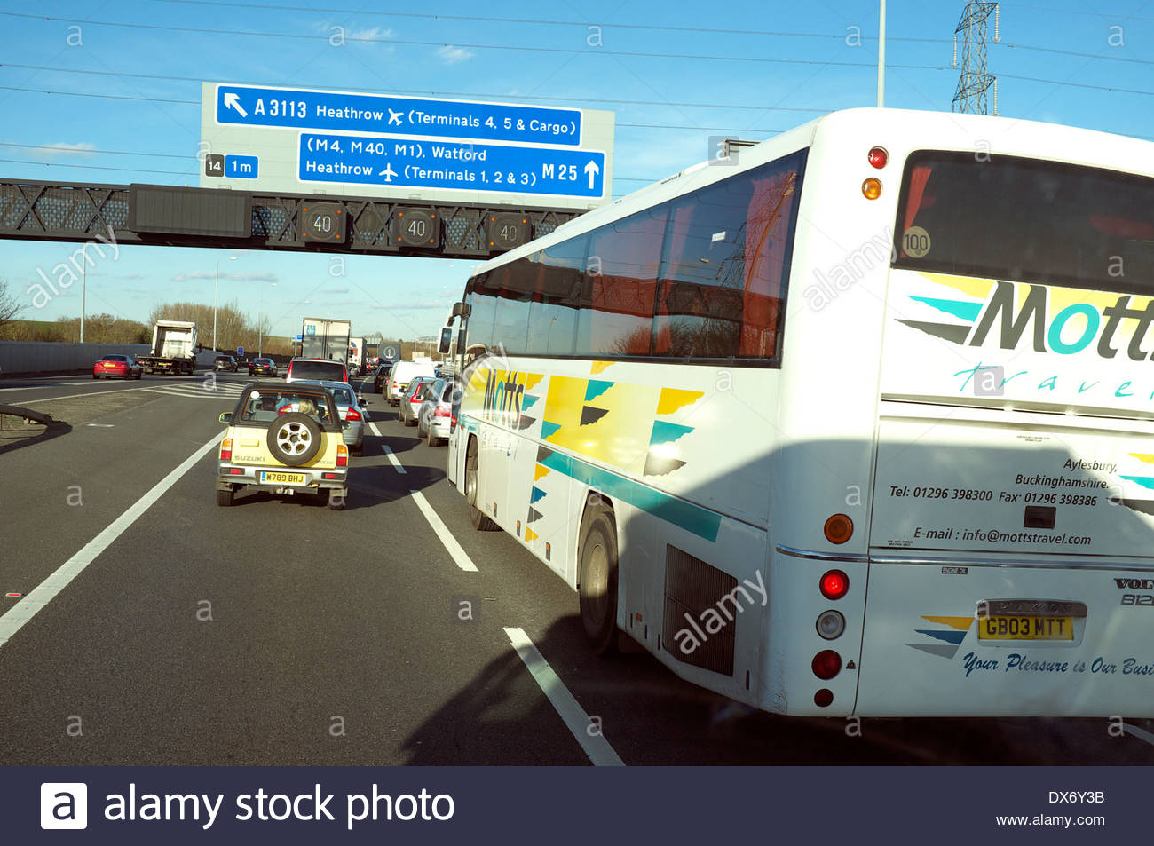 Traffic congestion on the western side of the M25 motorway, near Heathrow, UK. - Stock Image