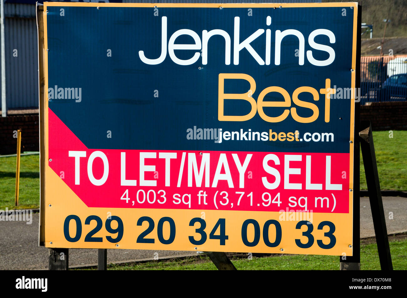 Property for sale to let sign, Cardiff, Wales. - Stock Image