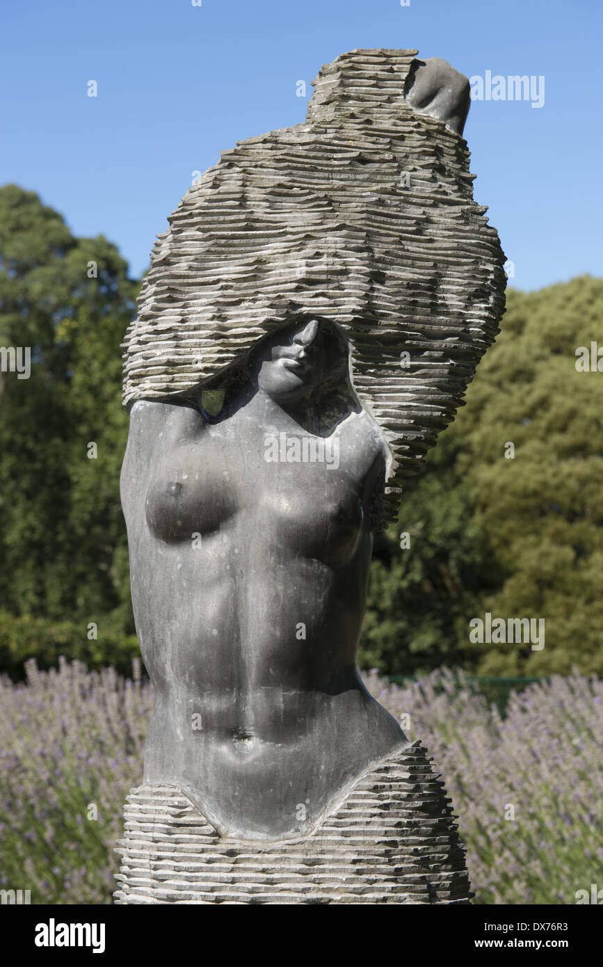 Skyhigh Mount Dandenong observatory. A statue in the gardens. - Stock Image