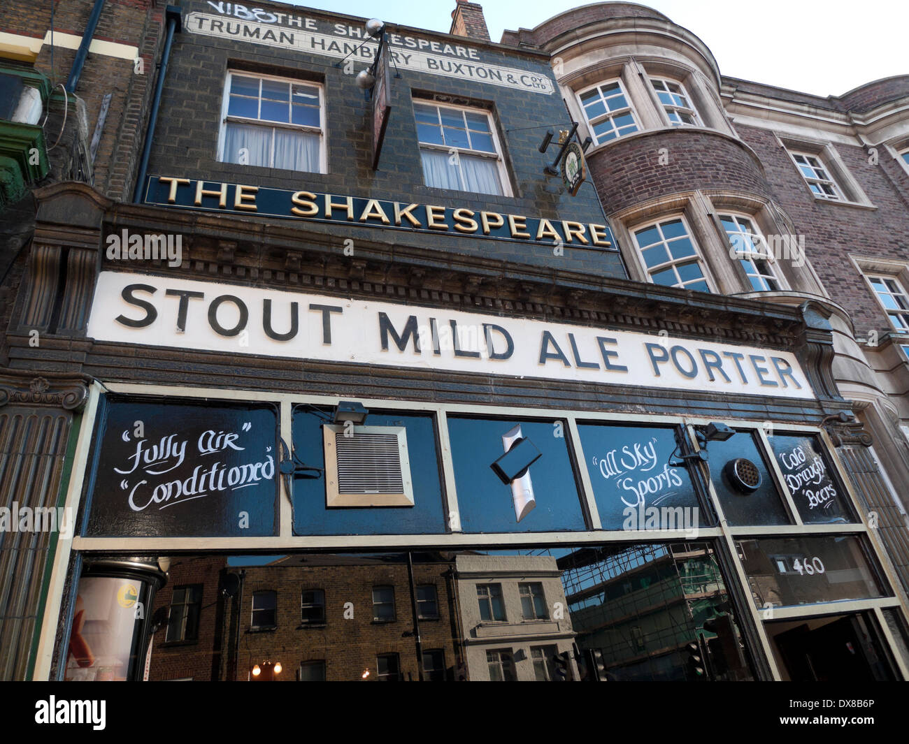 The Shakespeare pub on Bethnal Green Road London E2  KATHY DEWITT - Stock Image