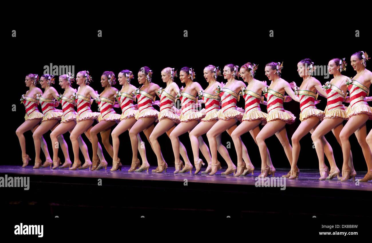 Rockettes Christmas Tour.Rockettes Radio City Christmas Spectacular Opening Night At