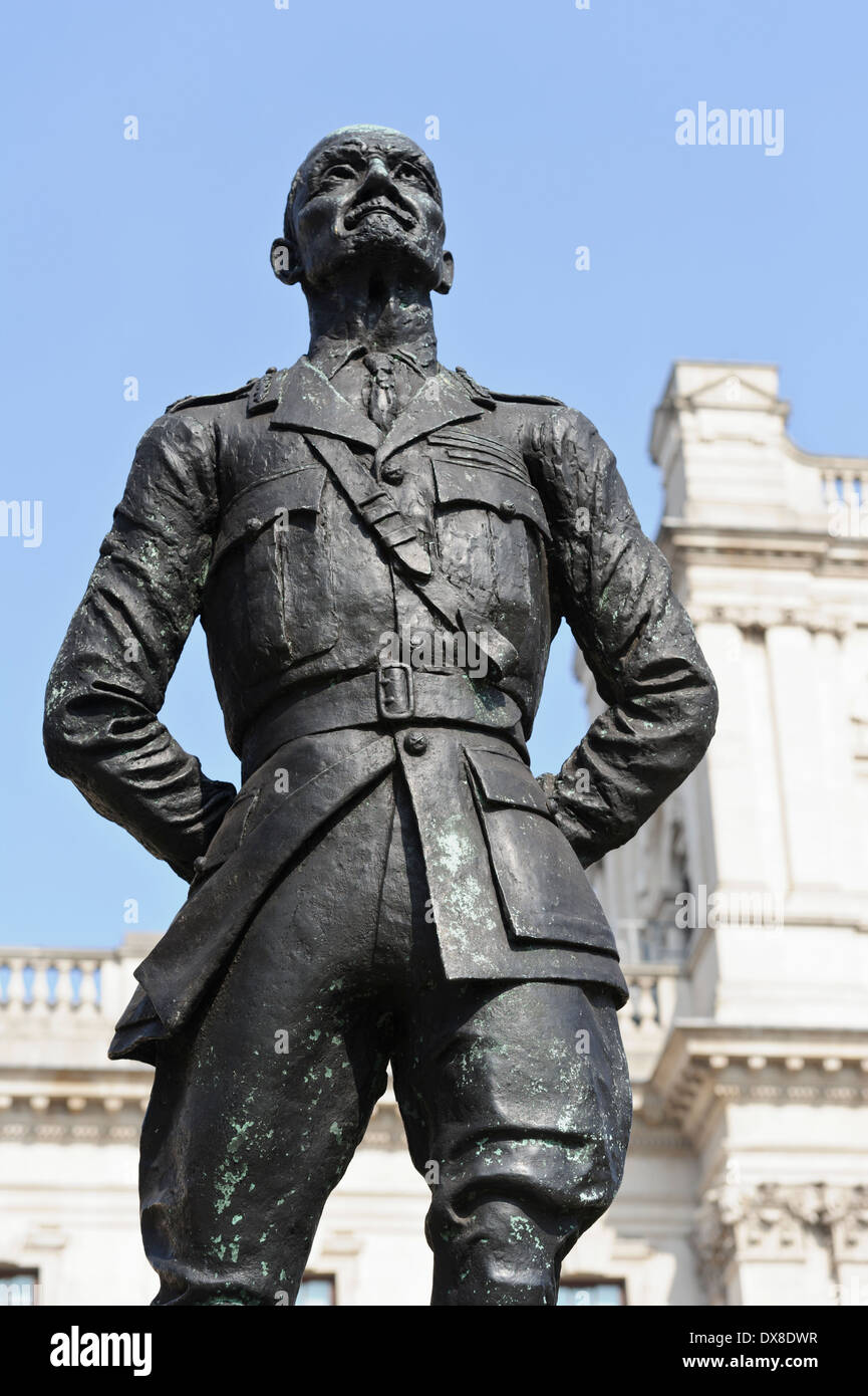 Jan Christian Smuts statue in Parliament Square, London, England, United Kingdom. - Stock Image