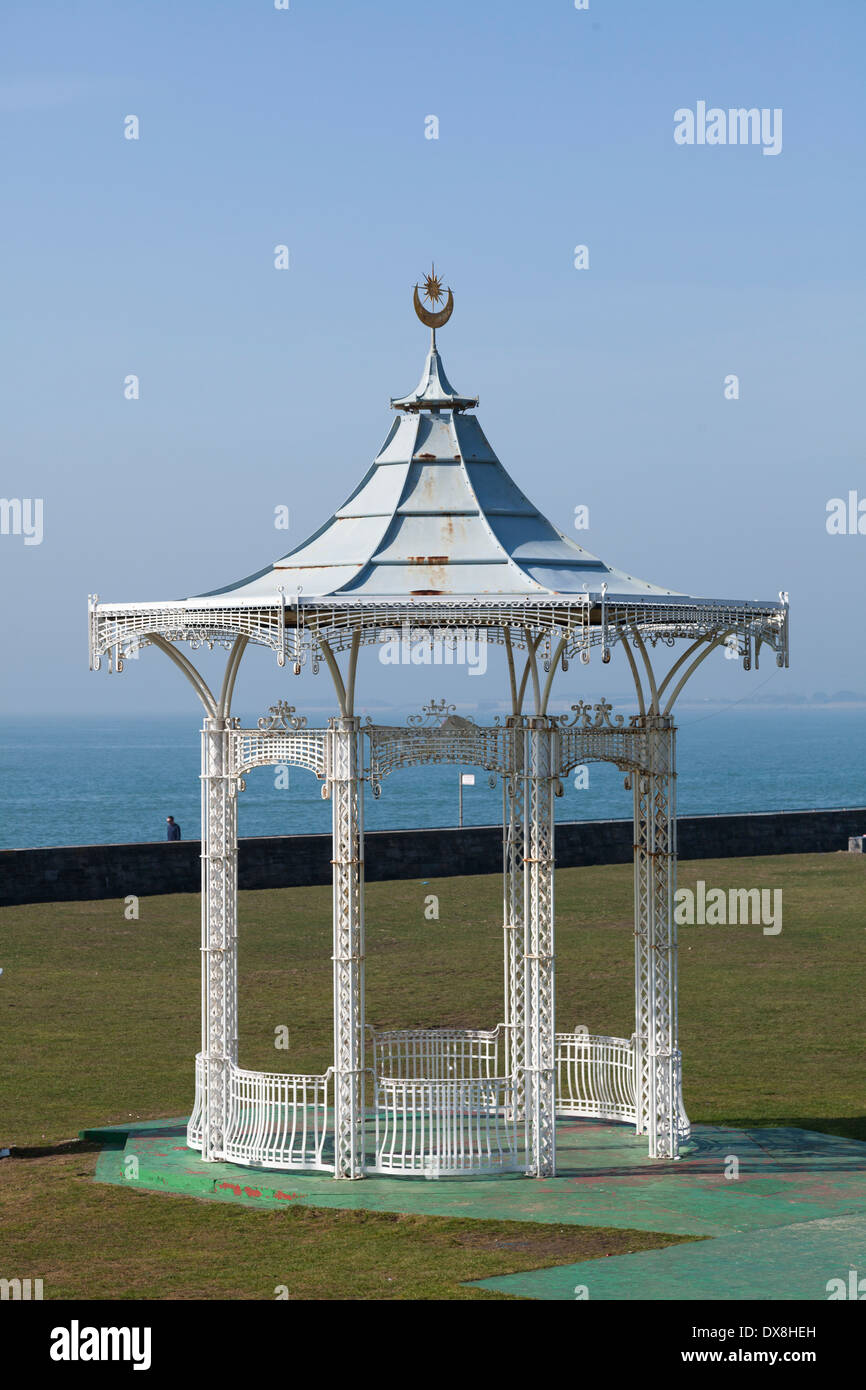 Southsea bandstand on the seafront. - Stock Image