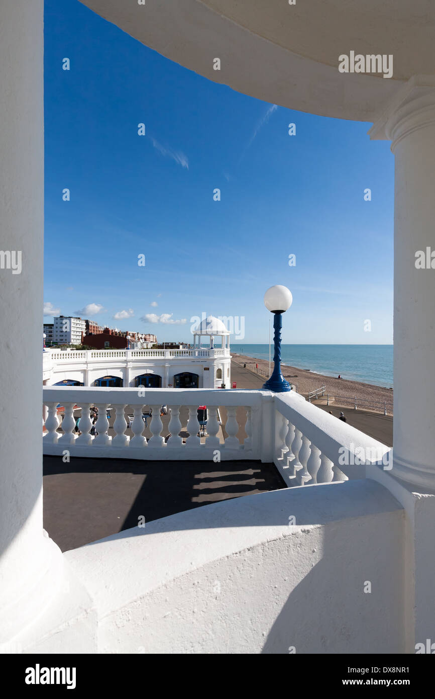 View through a colonnade in the grounds of the De la Warr Pavillion - Stock Image