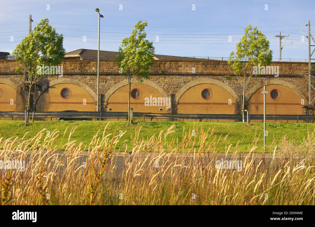 Railway arches next to the Clydeside Expressway near Partick in Glasgow, Scotland - Stock Image
