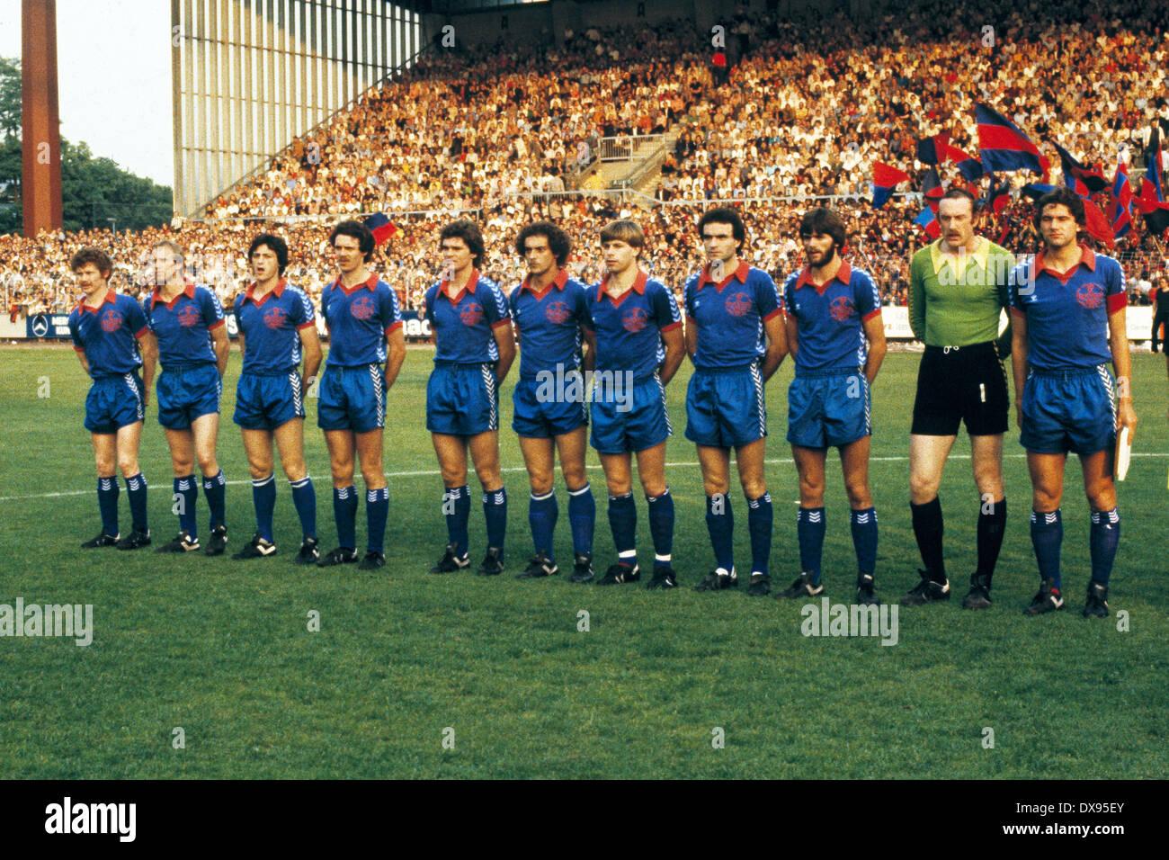 football, 2. Bundesliga Nord, 2. Bundesliga Sued, 1978/1979, relegation match to Bundesliga 1979/1980, return leg, Grotenburg Stadium in Krefeld, FC Bayer 05 Uerdingen versus SpVgg Bayreuth 2:1, team shot Bayer, f.l.t.r. Ludwig Lurz, Jens Steffensen, Fran - Stock Image