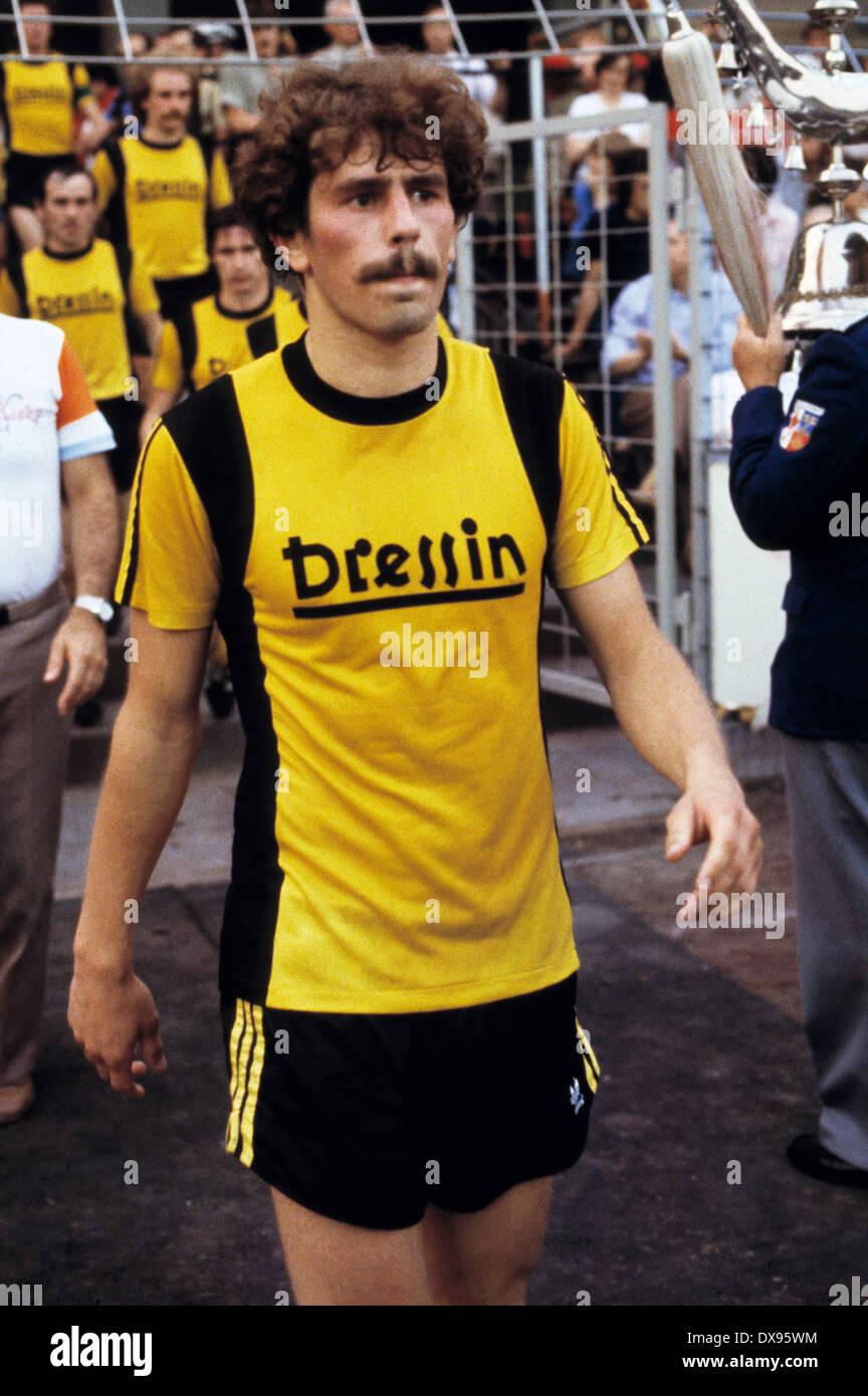football, 2. Bundesliga Nord, 2. Bundesliga Sued, 1978/1979, relegation match to Bundesliga 1979/1980, return leg, Grotenburg Stadium in Krefeld, FC Bayer 05 Uerdingen versus SpVgg Bayreuth 2:1, running-in to the second half, Reinhard Brendel (Bayreuth) - Stock Image