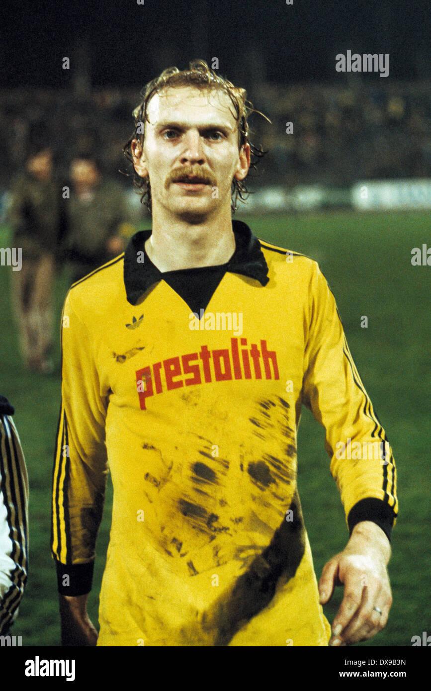 football, Bundesliga, 1979/1980, Wedau Stadium, MSV Duisburg versus Borussia Dortmund 1:0, end of the game, leaving, Hans-Joachim Wagner (BVB) - Stock Image