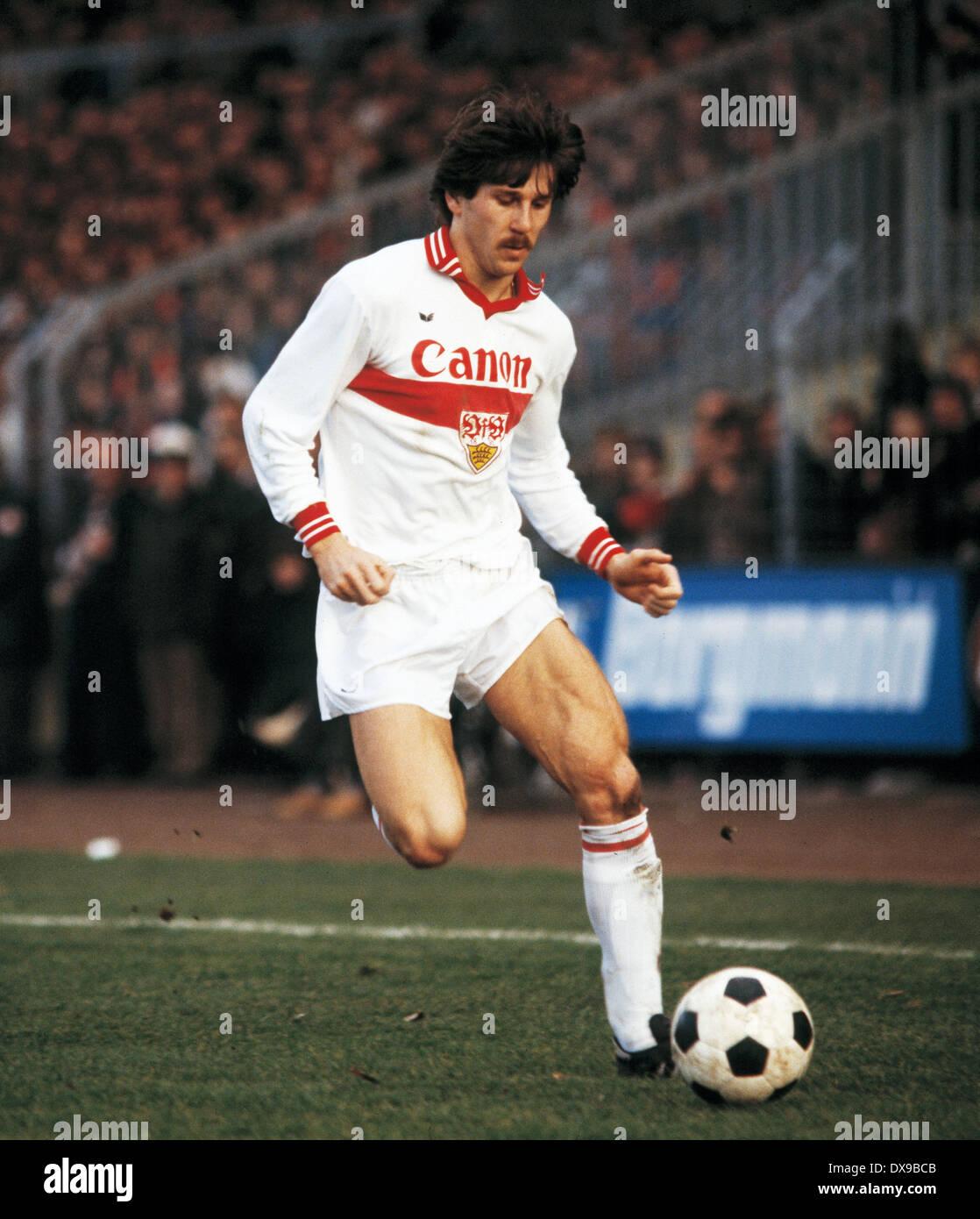 football, Bundesliga, 1979/1980, Grotenburg Stadium, FC Bayer 05 Uerdingen versus VfB Stuttgart 4:2, scene of the match, Walter Kelsch (Stuttgart) in ball possession - Stock Image