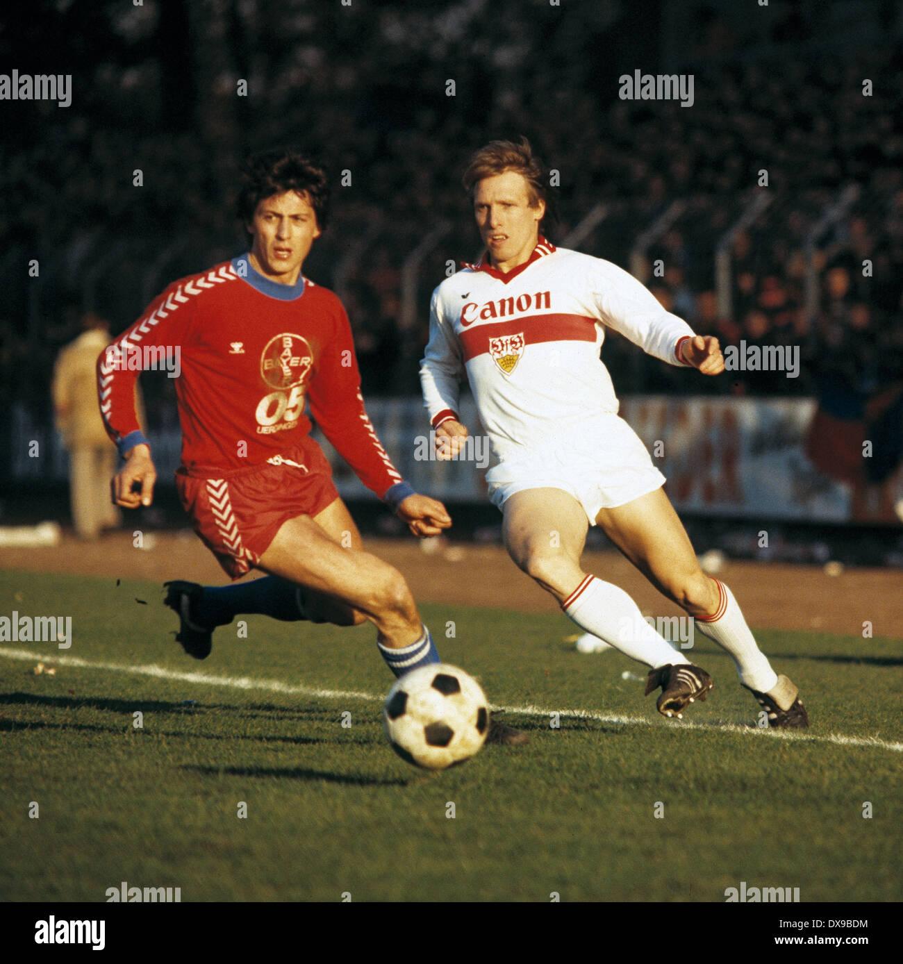 football, Bundesliga, 1979/1980, Grotenburg Stadium, FC Bayer 05 Uerdingen versus VfB Stuttgart 4:2, scene of the match, Franz Raschid (Uerdingen) left and Klaus-Dieter Jank (Stuttgart) - Stock Image